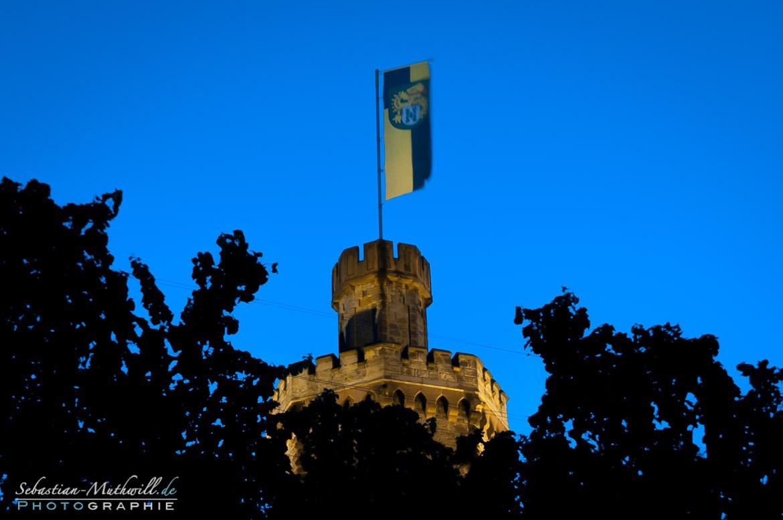 Flaggenturm  - blaue Stunde_Teil
